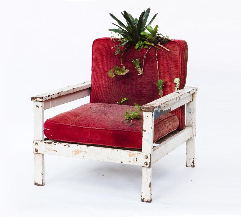 rodrigo-bueno-blossom-found-furniture-designboom-01