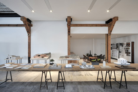 Co-working-Space-by-NaturalBuild-office-interior-shanghai-warehouse-wood-event-space_dezeen_468_3