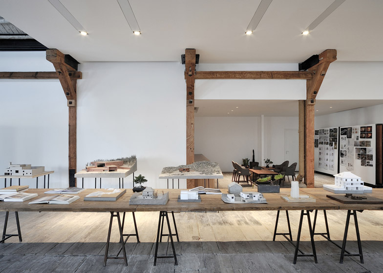 Co-working-Space-by-NaturalBuild-office-interior-shanghai-warehouse-wood-event-space_dezeen_784_2