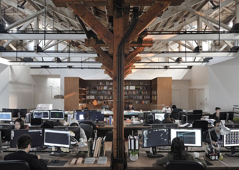 Co-working-Space-by-NaturalBuild-office-interior-shanghai-warehouse-wood-event-space_dezeen_784_6
