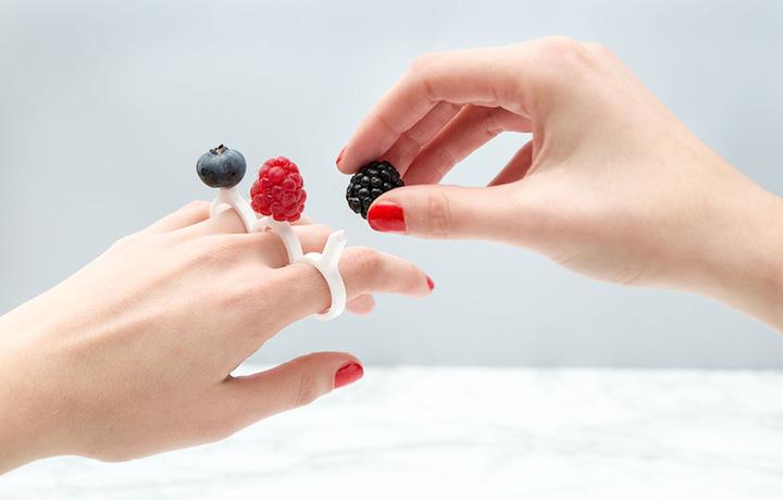 指頭上的酸甜滋味 來自義大利的 DIY 激光切割美食戒指