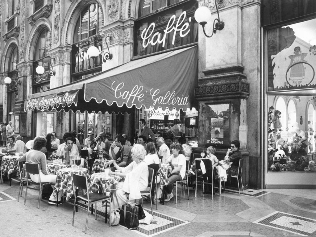(GERMANY OUT) Milan: Cafe in the Galleria Vittorio Emanuele (Photo by Kallabis/ullstein bild via Getty Images)