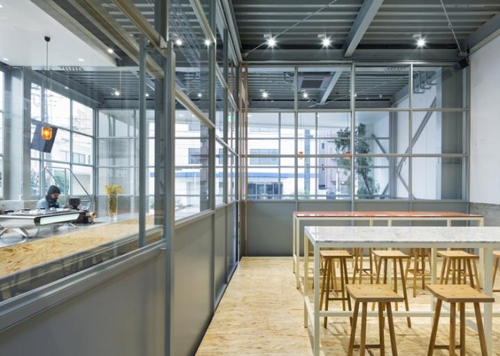 Blue-Bottle-Coffee-by-Schemata-Architects-Tokyo-Japan-08