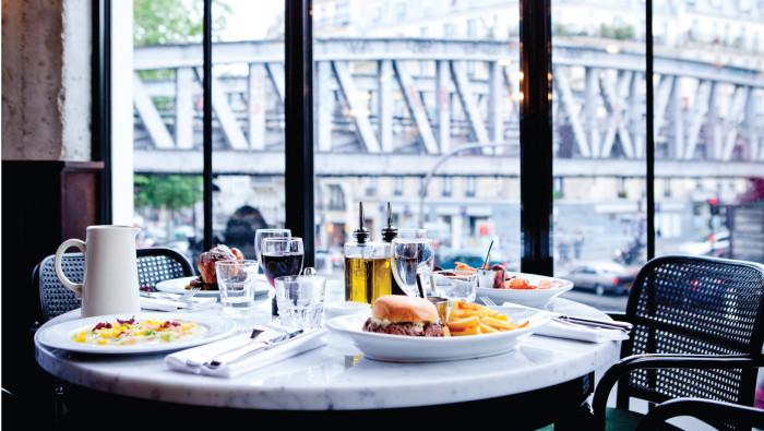 brasserie-barbes-paris-restaurant-7-700x395