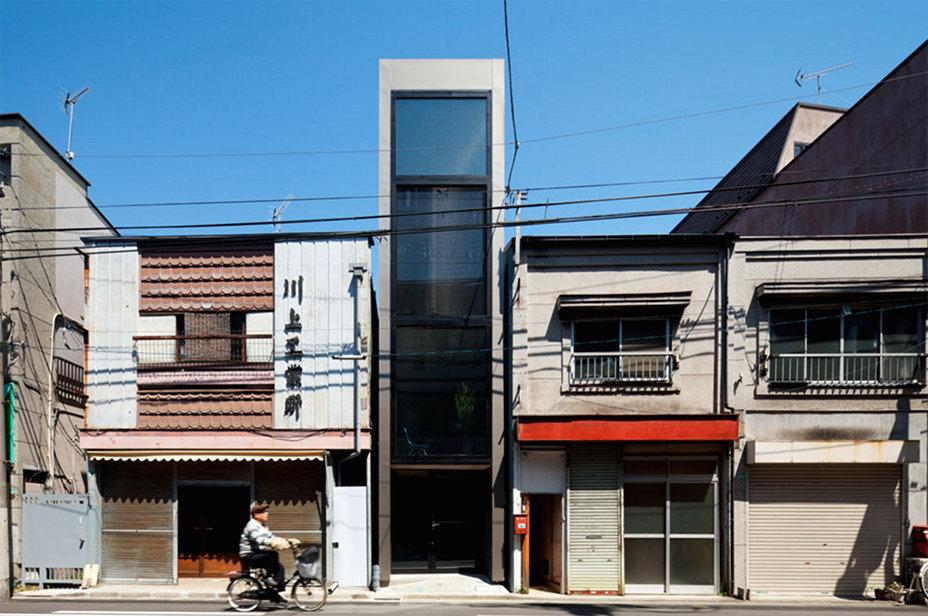 光線與微風流動的狹長空間:日本 YUUA 建築事務所的巧妙設計