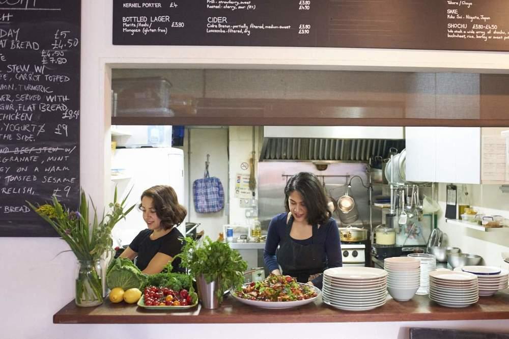 揮灑香料的繽紛色彩:倫敦波斯料理 ZARDOSHT 小餐館專訪