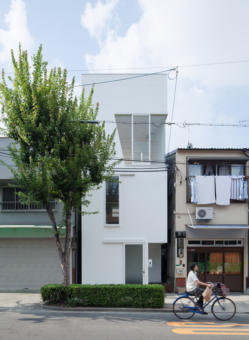 輕盈摺紙的構築概念:House In Osaka by KENJI IDO