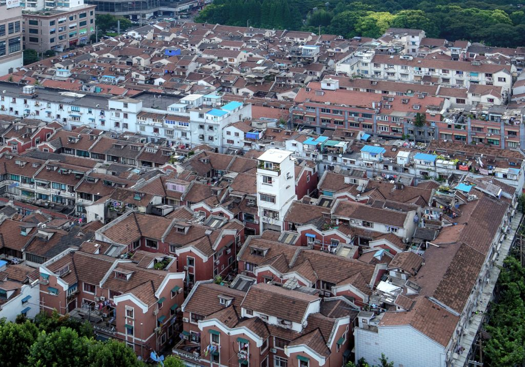 上海里弄奇異風景:1920 年代老城中的水塔公寓