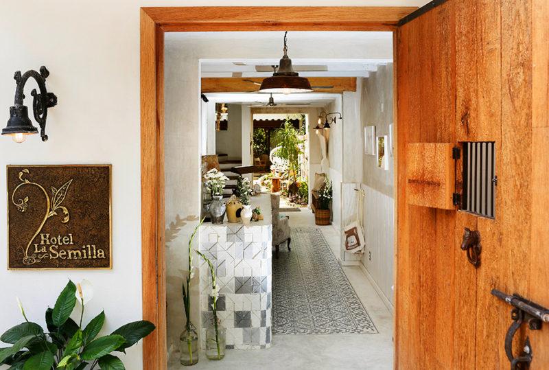 hotel_la_semilla_entryway-800x539