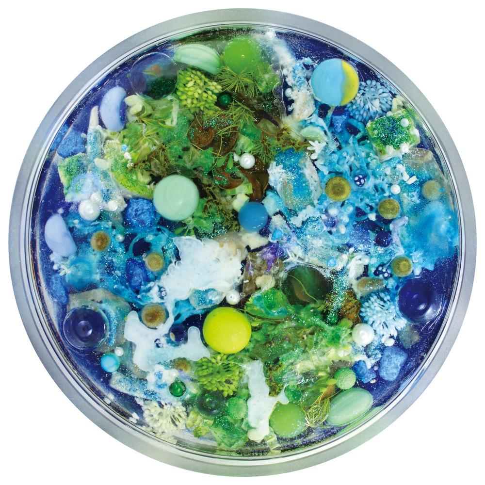 《小宇宙:行星》,Earth。Image Courtesy of San Chen.