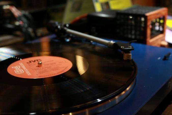 Manifesto Vinyl Club_2