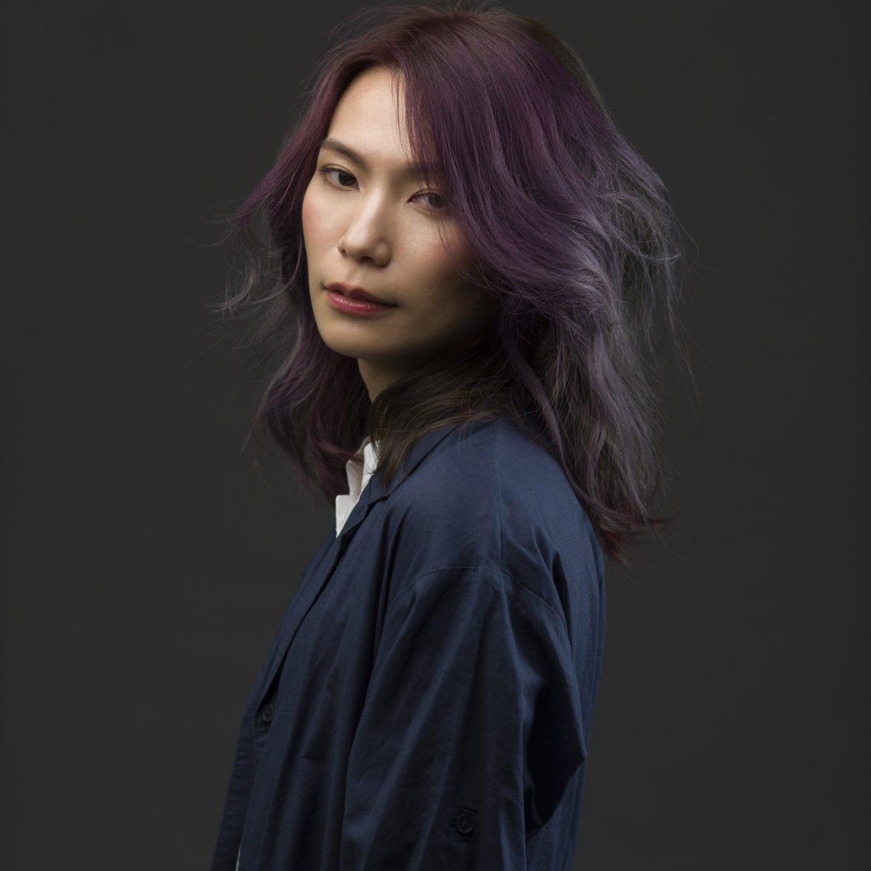 陳惠婷,創作音樂人,Tizzy Bac 主唱。2014 年起,共發行過兩張個人全創作專輯《21克》及《成人世界》,以電子流行曲風呈現華麗迷幻的音樂國度。