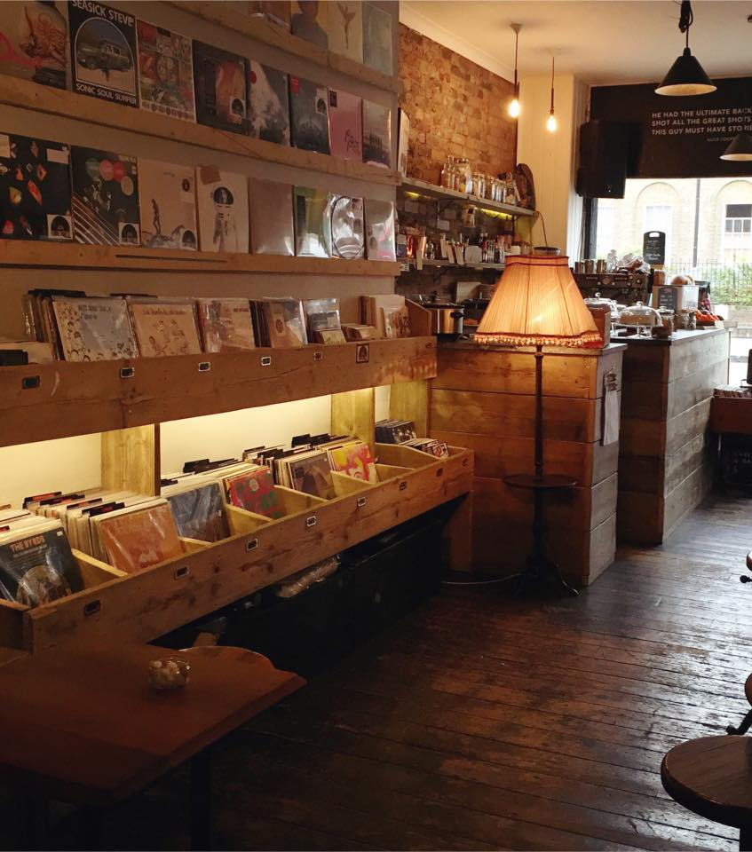 Lion Coffee & Records_7