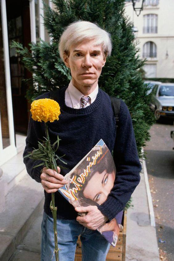 Andy Warhol 對名人們的「靈魂拷問」,才是《Interview》最有趣的遺產